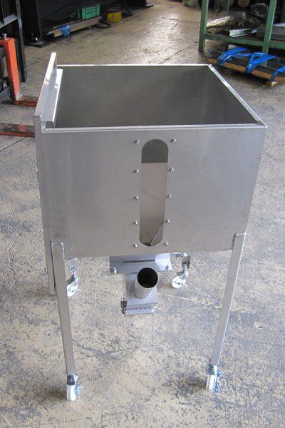 ステンレス製材料タンク