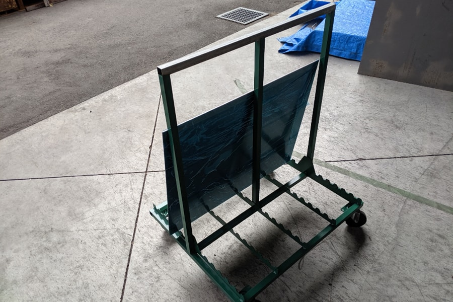 材料縦置き台車